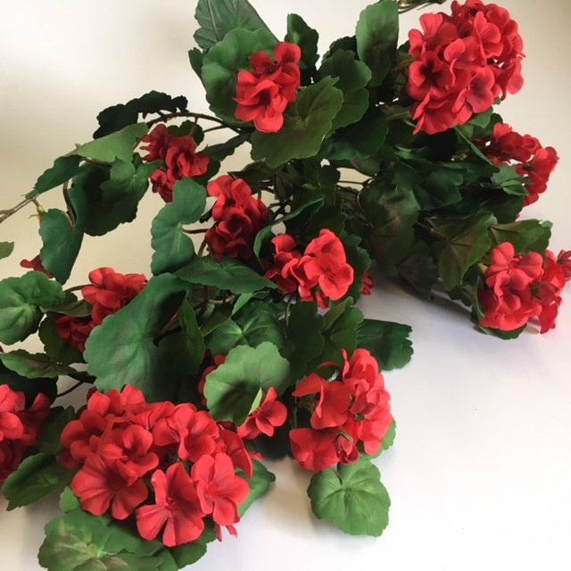 FLO0062 FLOWER SPRAY, Geranium Large - Red $5