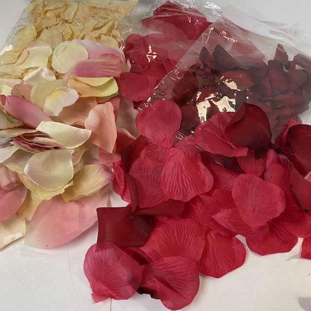 PET0050 PETALS, Assorted Colours $5 Handful or $100 Small Boxlot