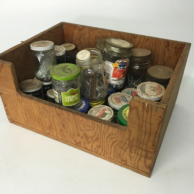 CRA0032 CRATE, Shed Props and Jars $22.5