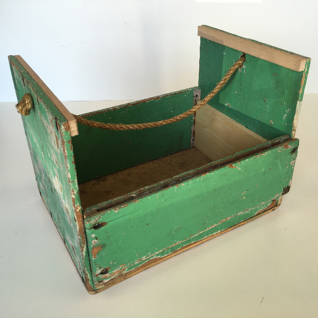 CRA0034 CRATE, Green Storage Box With Rope Handle $18.75