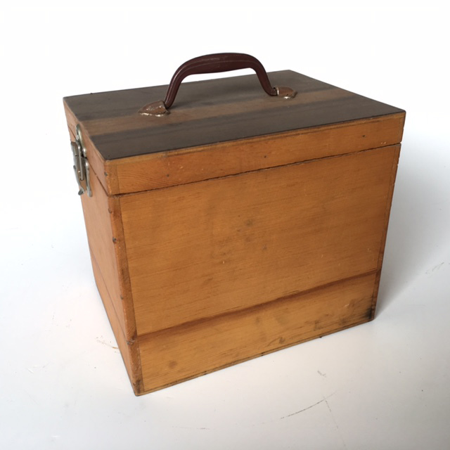 TOO0024 TOOL BOX, Small Wooden w Lid $7.50