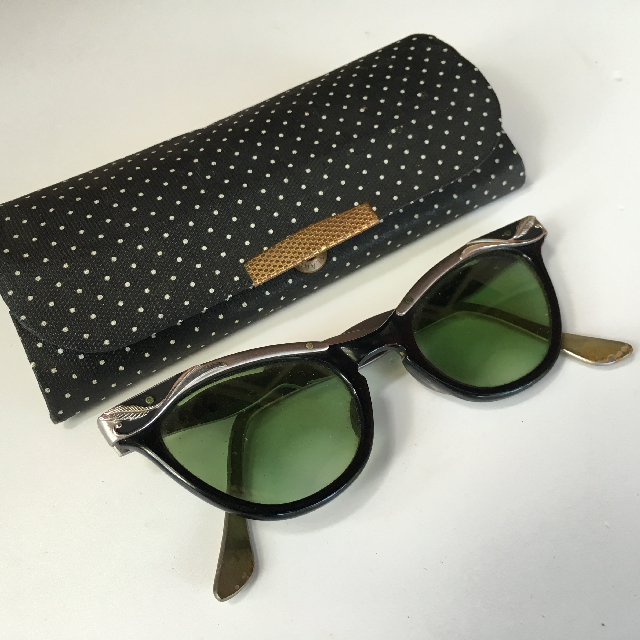 GLA1000 GLASSES, Sunglasses 1950 Cat-eye with Polka Dot Case - Ladies $18.75