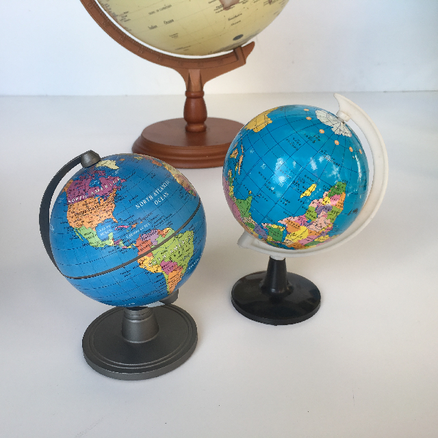 GLO0017 GLOBE, Extra Small Blue 15cm H $5