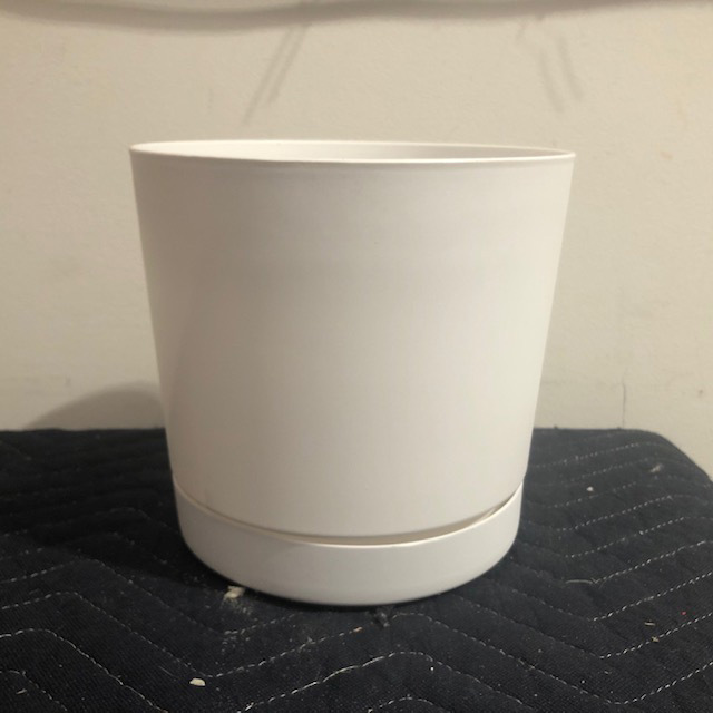 POT0136 POT, White Planter Pot - Plastic $3.75
