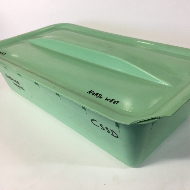 STO0413 STORAGE BIN, Large Green Shallow w Lid $15
