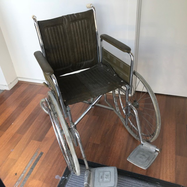 WHE0102 WHEELCHAIR, Olive Green 1960's Chrome (w Footrest) $50