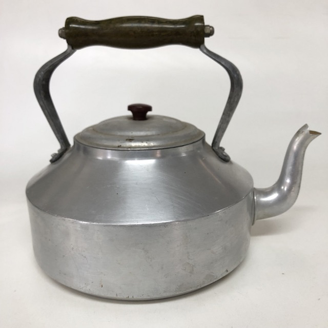 KET0010 KETTLE, Aluminium w Black Handle $7.50