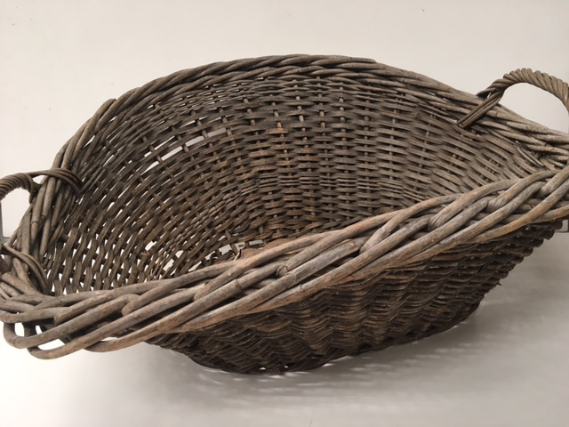 BAS0205 BASKET, Laundry - Large Wicker $22.50