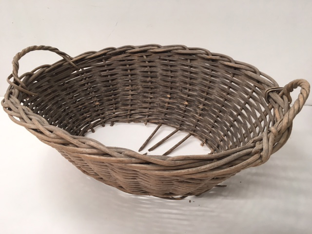 BAS0207 BASKET, Laundry - Medium Wicker (No Base) $12.50