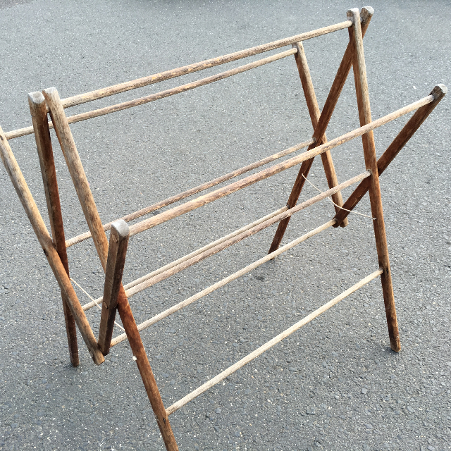 CLO1002 CLOTHES RACK, Timber Fold Out  $22.50