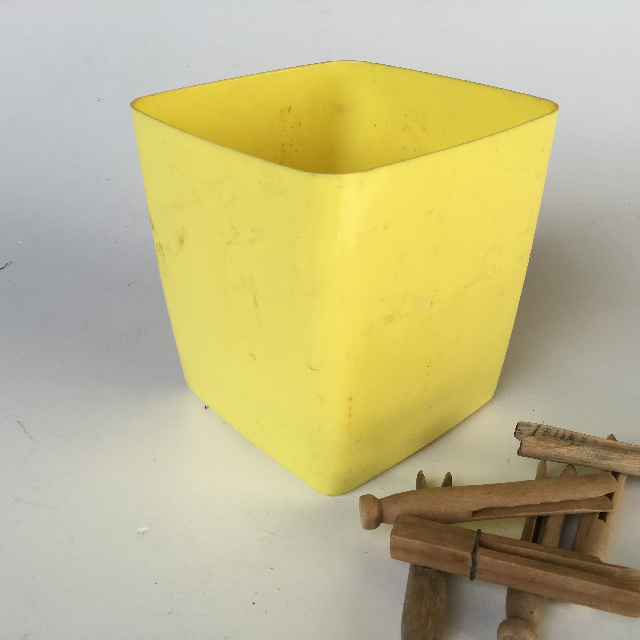 PEG0005 PEG BUCKET, Yellow Plastic  $3.75