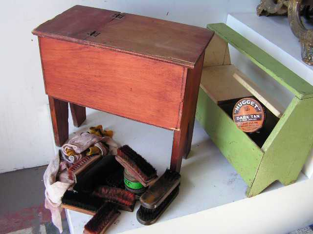 SHO0004 SHOE SHINE, Timber Box $22.50