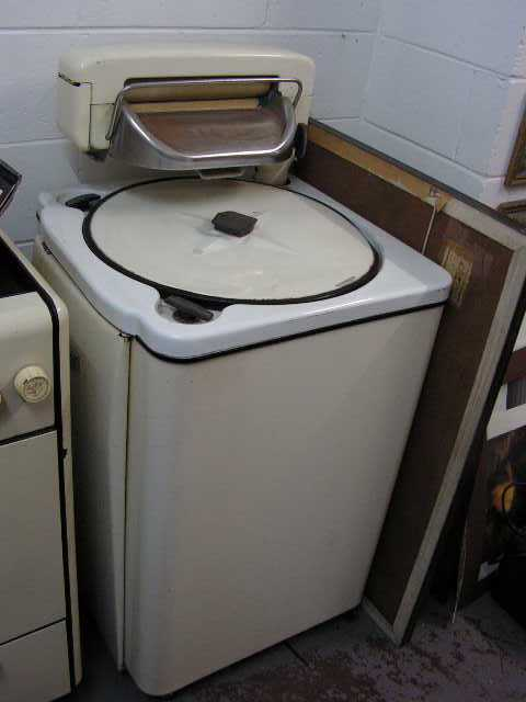 WAS0001 WASHING MACHINE, 1950's $75