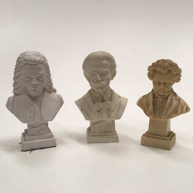 BUS0104 BUST, Composer - Assorted 11cm $3.75