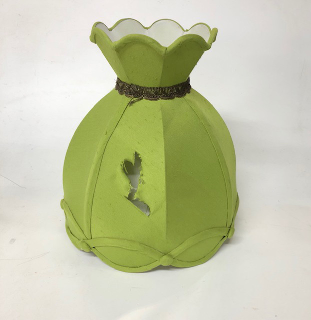 LAM1240 LAMPSHADE, Vintage (Medium) - Lime Green Tulip w Rip $12.50
