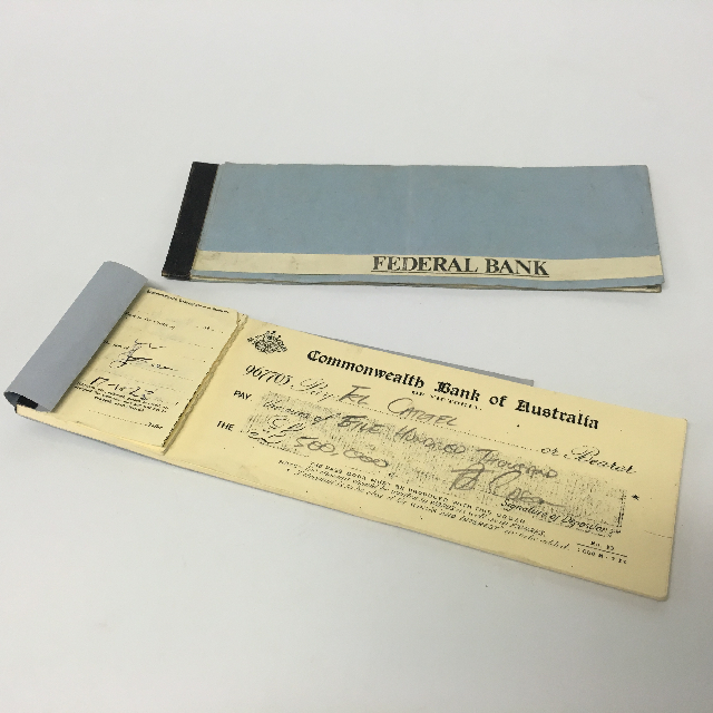 BAN0206 BANKING, Cheque Book - Commonwealth or Federal Vintage $3.75