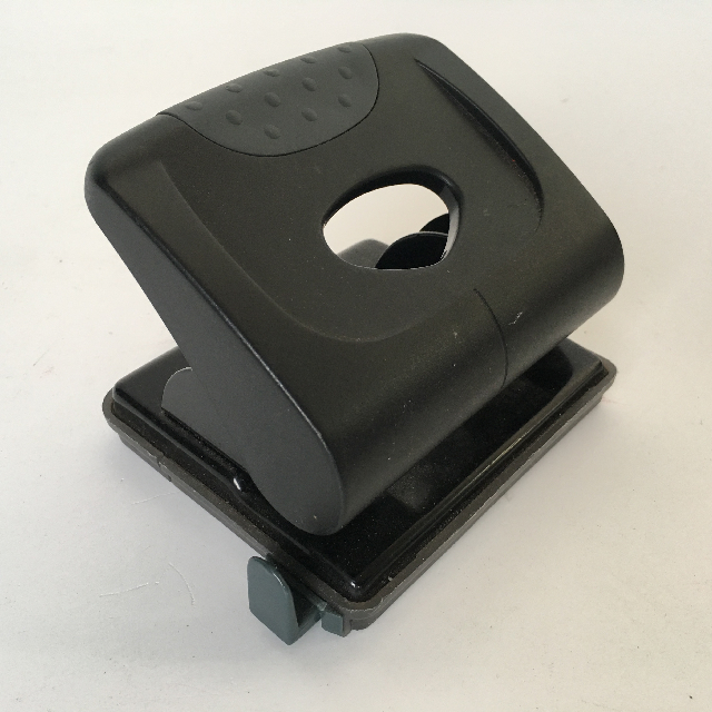 HOL0050 HOLE PUNCH,  Contemp $3.75
