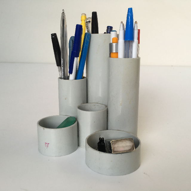 PEN0022 PEN HOLDER, Tubular Grey w Pens $3.75
