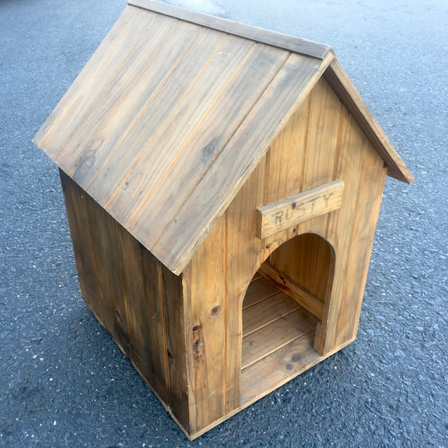 DOG0002 DOG KENNEL, Timber 'Rusty' 40cmW x 50cmL x 60cmH $20
