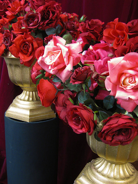 Event Styling - Gold Urns w Roses