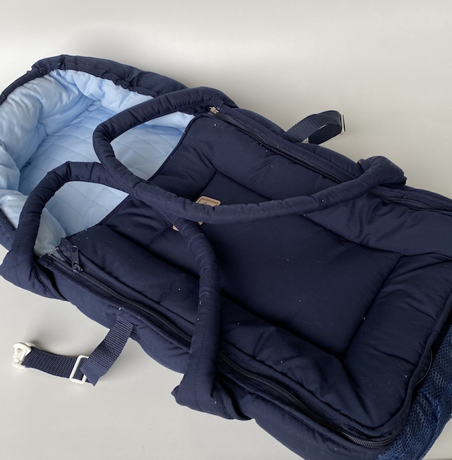 BAB0010 BABY CARRIER, Blue Quilted Carry Cot $15