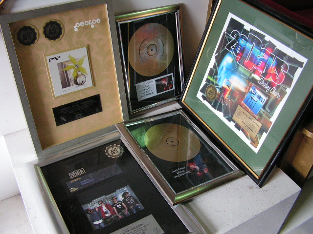 AWA0006 AWARD, Gold Record $18.75