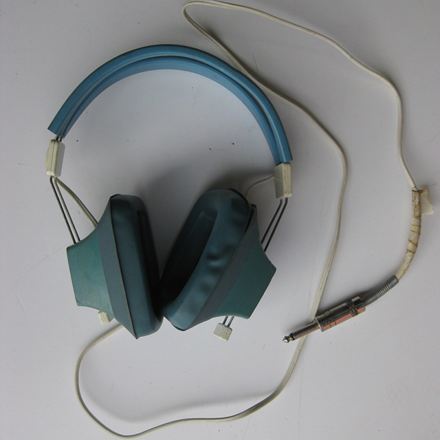 HEA0004 HEADPHONES, Pale Blue Vintage $8.75