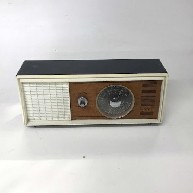 RAD0032 RADIO, Slimline Astor w Woodgrain Face $12.50