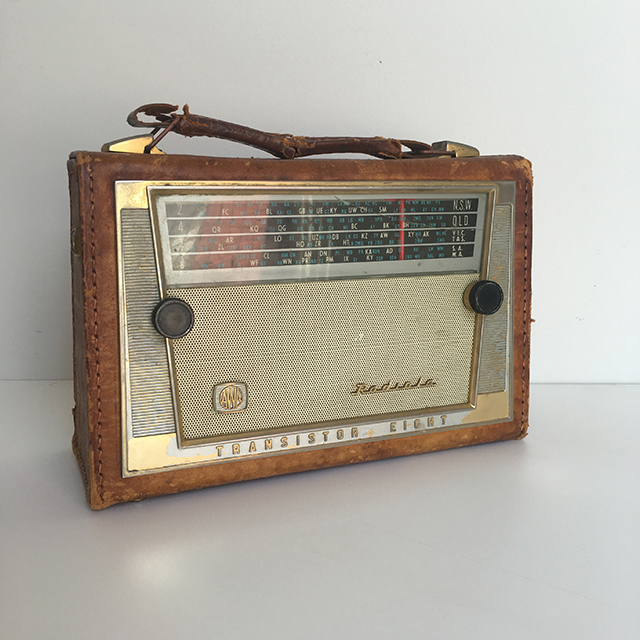 RAD0025 RADIO, Radiola in Leather Case $20
