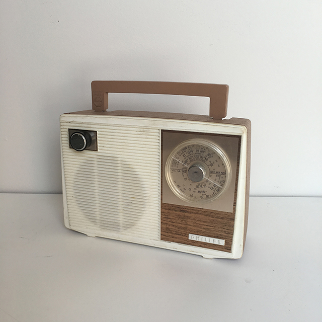 RAD0021 RADIO, 1960s Beige White Philips $12.50