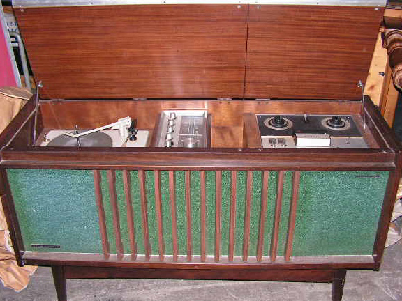 RAD0200 RADIOGRAM, Teak with Green Speaker $100