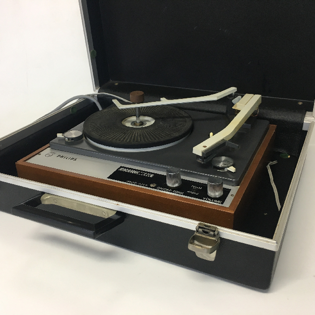 REC0013 RECORD PLAYER, 1970s Brown Timber Philips in Briefcase $18.75