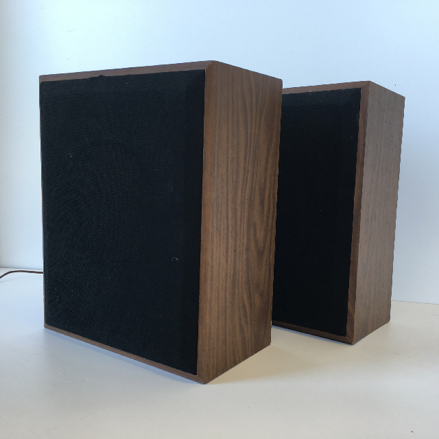 SPE0012 SPEAKER, Timber Veneer 27cm x 33cm $12.50