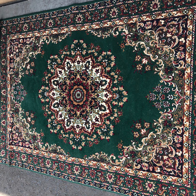 RUG0028 Traditional, Green 1.85m x 2.6m $50