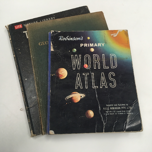 BOO0070 BOOK, Atlas - Robinsons Primary World Atlas $6.25