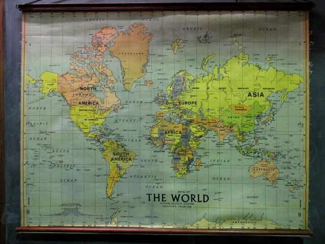 MAP0004 MAP ROLL, Map of The World 1.25m x 1m $30