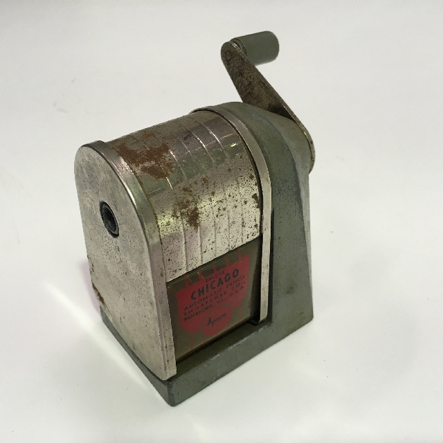 PEN0027 PENCIL SHARPENER, Desk Mount Vintage Chicago $11.25