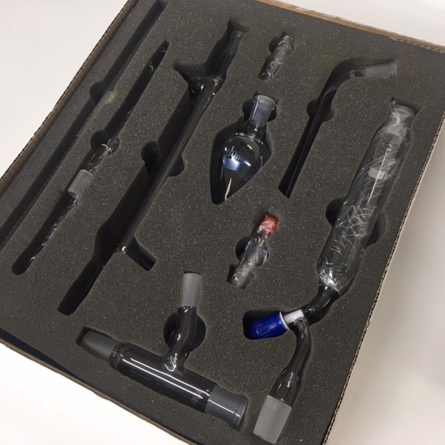 LAB0008 LAB GLASSWARE, Interchangeable Glassware - Chemistry Set $25