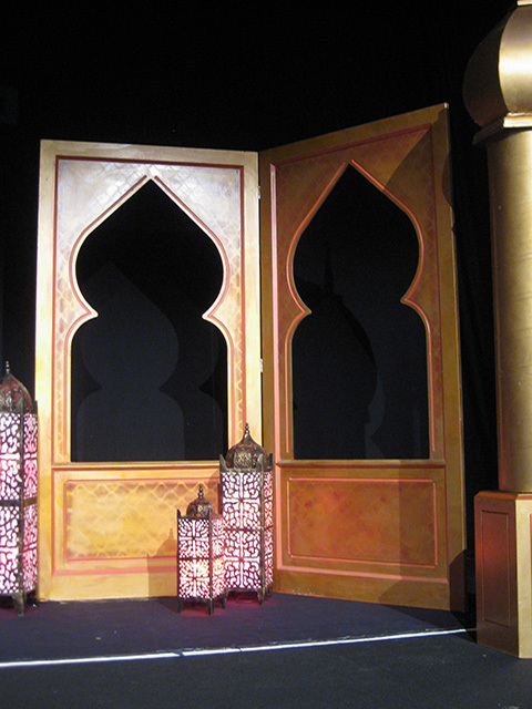 SCR0007 SCREEN, Gold Folding Taj Mahal Cut Out - 1.2m W x 2.4m H (Bifold)  $150 (Lamps & Column not Included)
