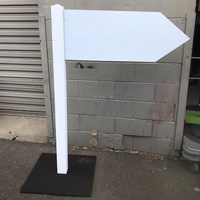 SIG0424 SIGN POST, White Pointer on Stand 1.5cm H (1m x 38cm Pointer) $37.50