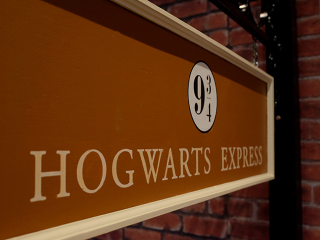 SIG0603 SIGN, Harry Potter Hogwarts Express $37.50