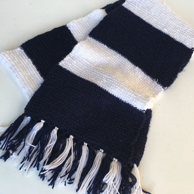 AFL0005 AFL Scarf, Blues or Geelong - Knitted $8.75