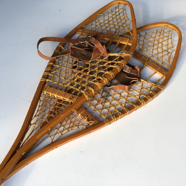 SNO0011 SNOW SHOES, Classic Timber $37.50