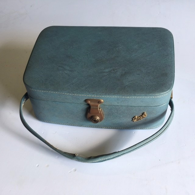 BEA0004 BEAUTY CASE, Blue Regal (Part Of Set) - 1960s $16.25