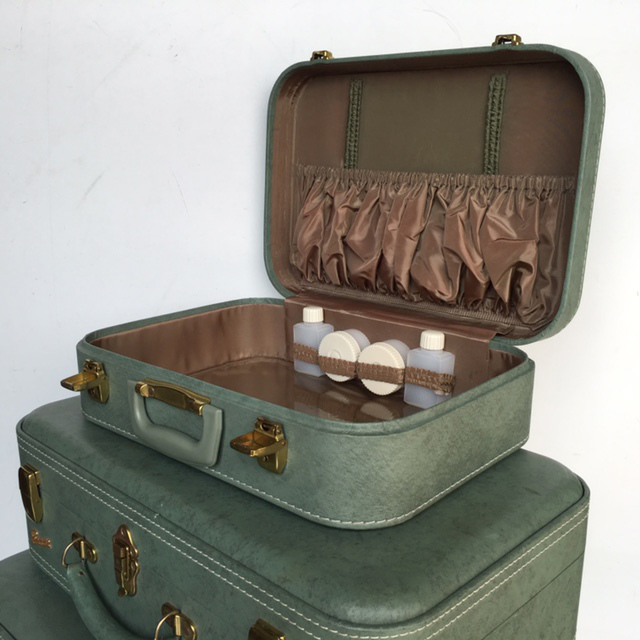 BEA0005 BEAUTY CASE, Green Permacase (Part Of Set) - 1960s $16.25