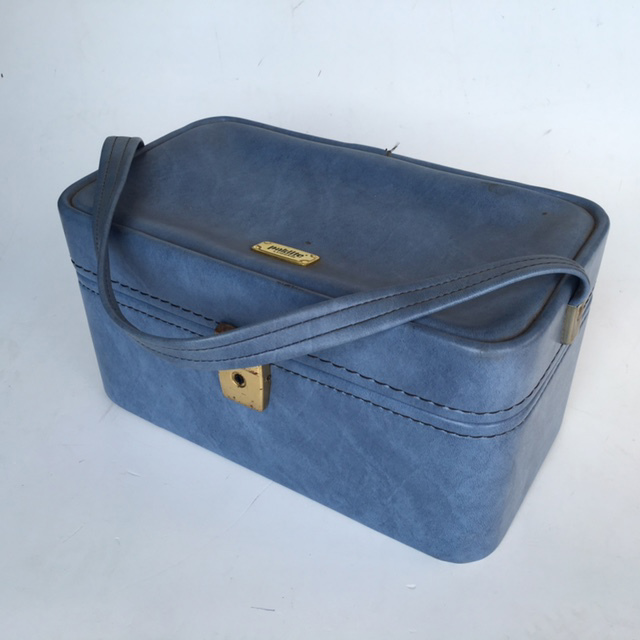 BEA0002 BEAUTY CASE, Blue Vinyl - 1960s $12.50