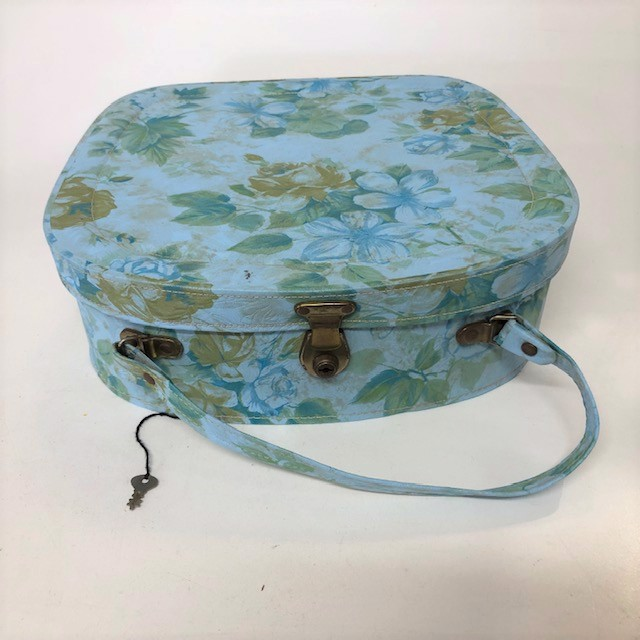 BEA0013 BEAUTY CASE, 1960's Blue Floral  $16.25
