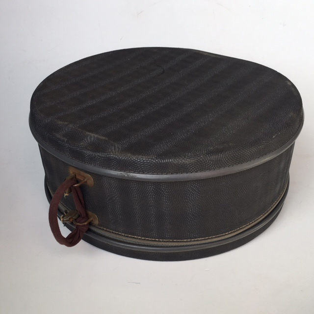 HAT0103 HAT BOX, Blue Ripple (Broken Handle) - 1950s $18.75