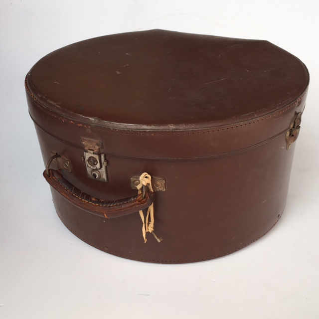 HAT0104 HAT BOX, Brown Leather $22.50