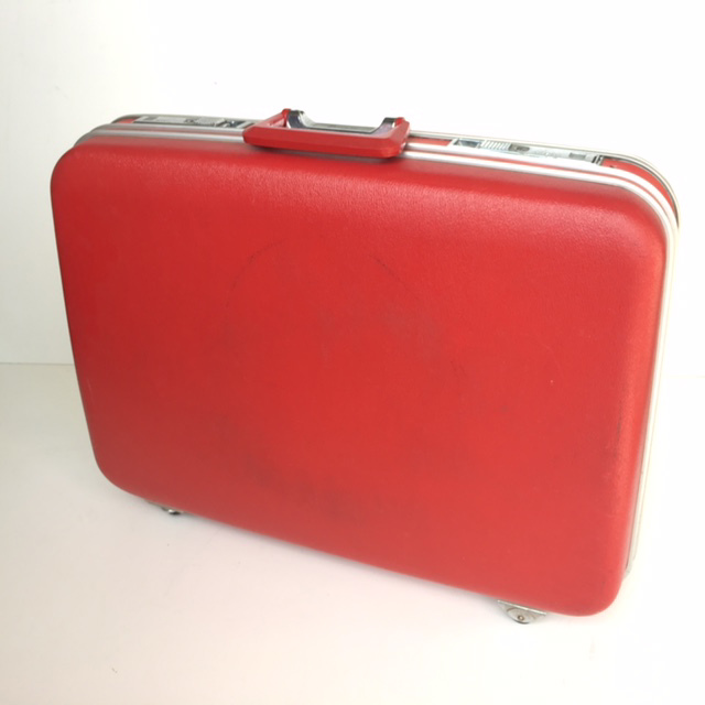 SUI0027 SUITCASE, Large Bright Red Hardcase - 1960-70s $22.50